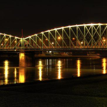 Die Überkletterung der Eisenbahnbrücke Linz – Stories worth telling